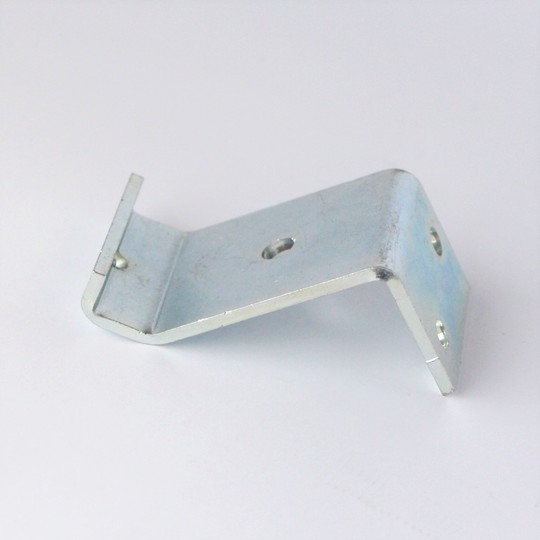 Rear bonnet wing catch bracket - short