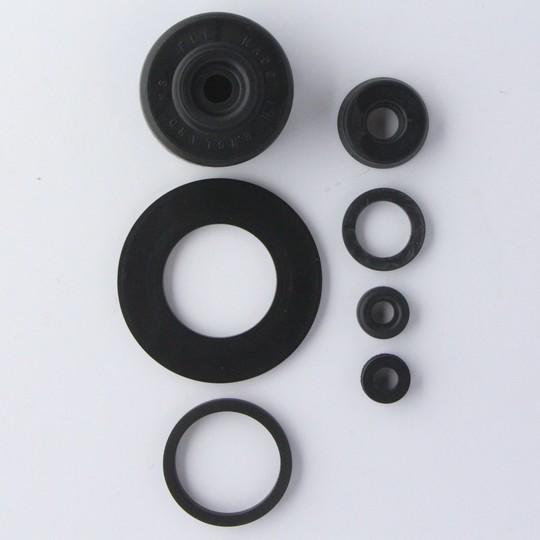 Master cylinder service kit for BRH011