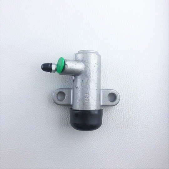Clutch slave cylinder +8 1976-7/1993 & +4 Rover to 7/1993