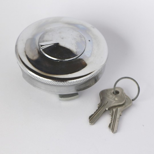 Round locking fuel cap