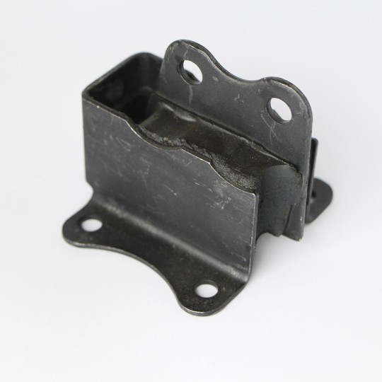 Engine mounting 4/4 series III to V & early crossflow