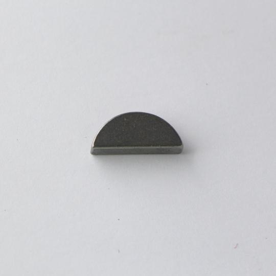 Woodruff key - crankshaft to fan belt pulley