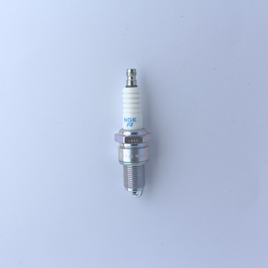 Spark plug +8 injection