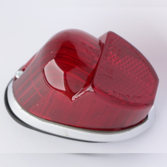 Stop/tail lamp 1969-71 - Spitfire type complete (base rubber only TMR101)