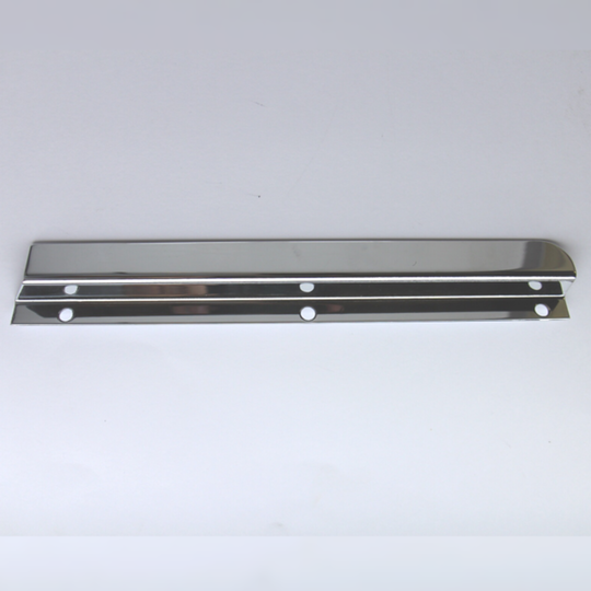 Windscreen draught excluder - chrome lh