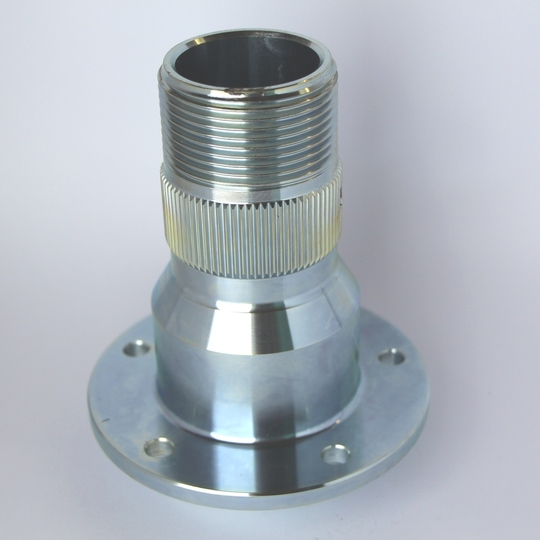 Front splined hub only rh +4 & 4/4 to 4/1991 (no seals or bearings)