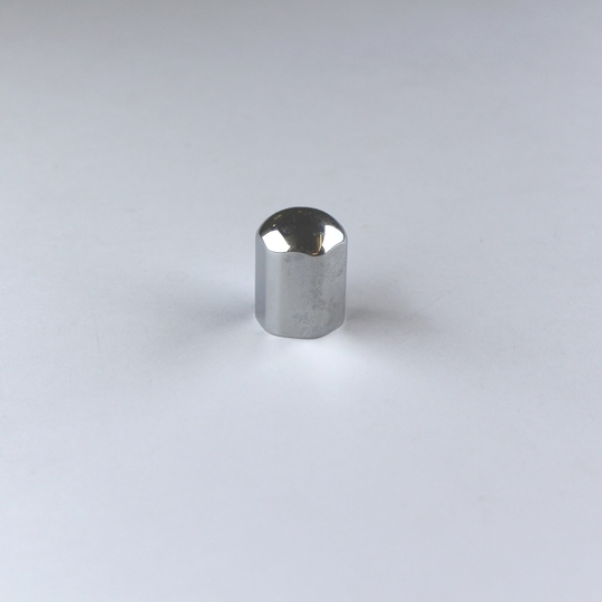 Domed cap (chromed) for wiper spindle 1963 on (when using aeroscreens)