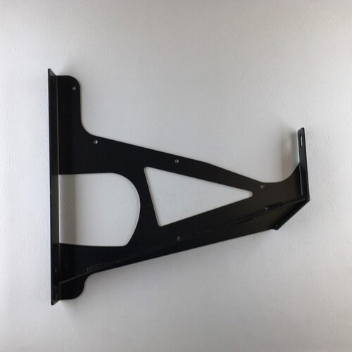 Mounting for overrider rh (cars with front overriders only)